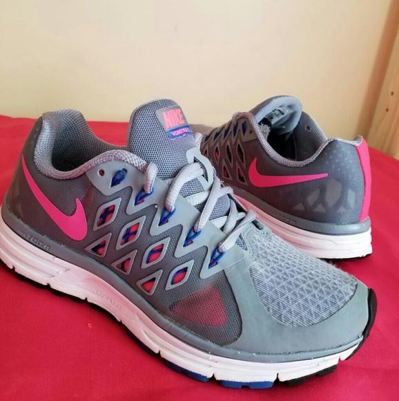hot sale online 5a02b 1bcf2 Women s Nike Vomero 9 IX Size 8. M 5b6dd9920cb5aa9a413f4894
